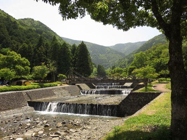 大津 谷川 公園 キャンプ 場